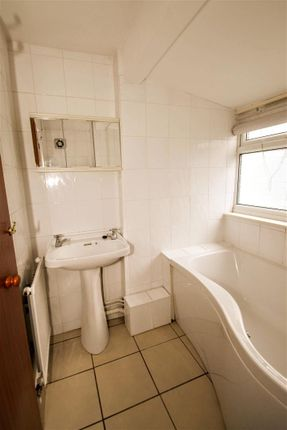 Bathroom of Sutherland Road, Southsea PO4