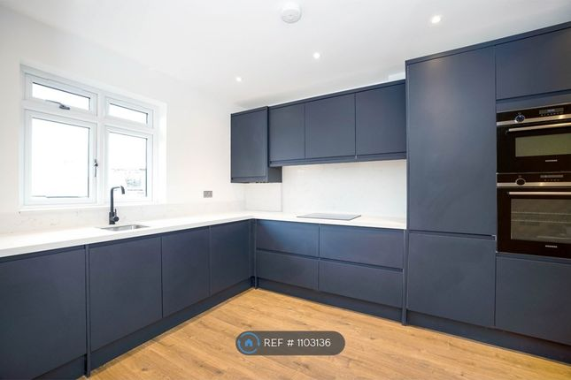 2 bed maisonette to rent in Burwood Avenue, Hayes BR2