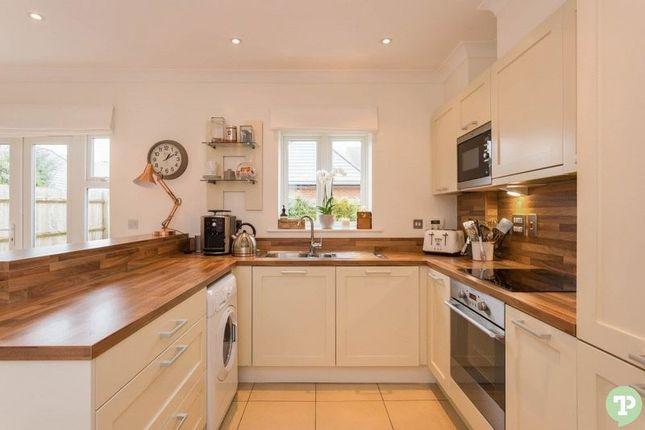 Hi Spec Kitchen of Pixey Close, Yarnton, Kidlington OX5