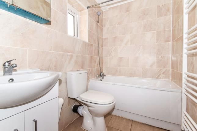 Bathroom of Worrall Close, Leicester, Leicestershire LE3