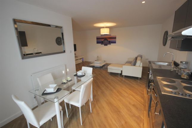 2 bed flat for sale in London Road, Portsmouth