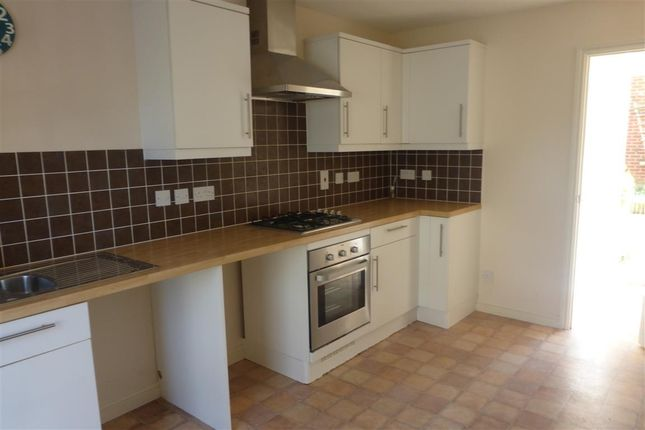 Thumbnail Property to rent in Dyson Road, Blunsdon, Swindon