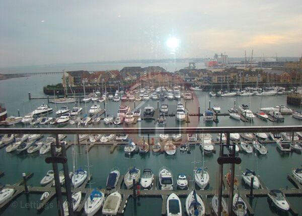 2 bed flat to rent in Channel Way, Ocean Village, Southampton