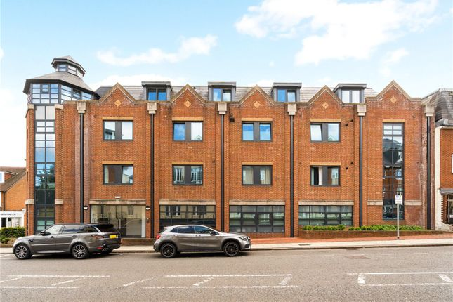 Thumbnail Flat for sale in Edinburgh House, 82-90 London Road, St. Albans