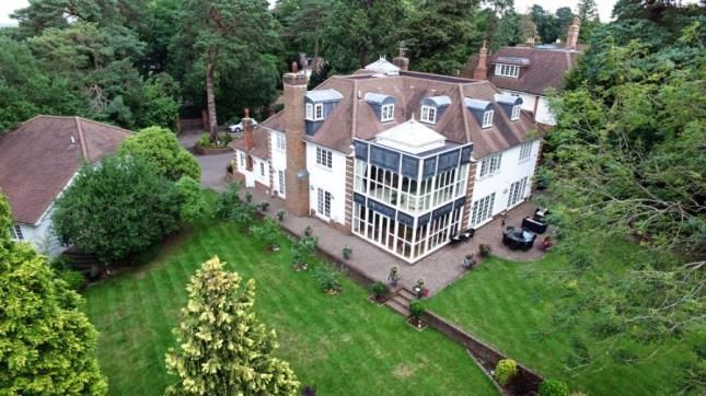 Thumbnail Detached house for sale in Pine Glade, Keston Park, Kent