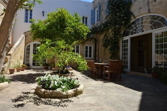 Thumbnail Property for sale in House Full Of Character, Mosta, Central, Malta