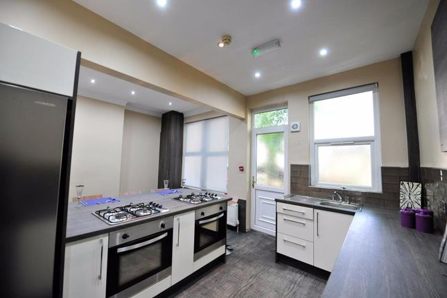 6 bed terraced house to rent in St. Michaels Terrace, Leeds