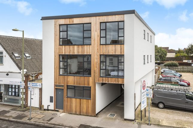 Thumbnail Flat for sale in Queens Road, Hampshire