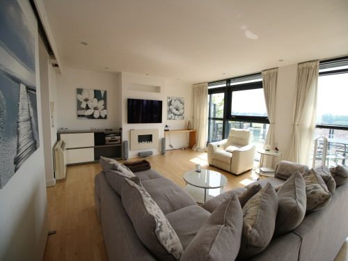 Thumbnail Flat to rent in CH1