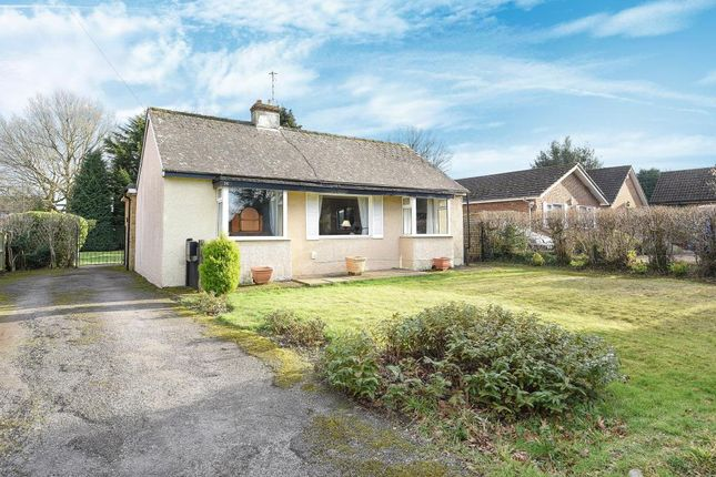 Thumbnail Detached bungalow for sale in Leverstock Green, Hertfordshire