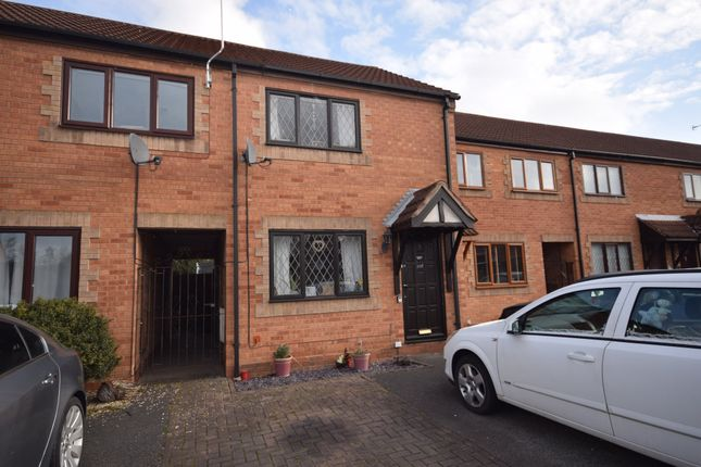 Thumbnail Town house to rent in Oak Close, Castle Gresley, Swadlincote