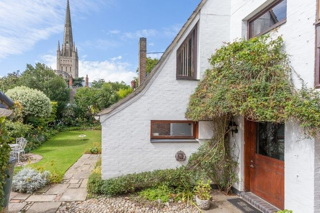 Thumbnail Property for sale in The Close, Norwich