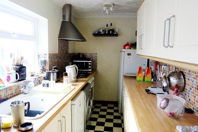 2 bed property to rent in Livingstone Street, Norwich