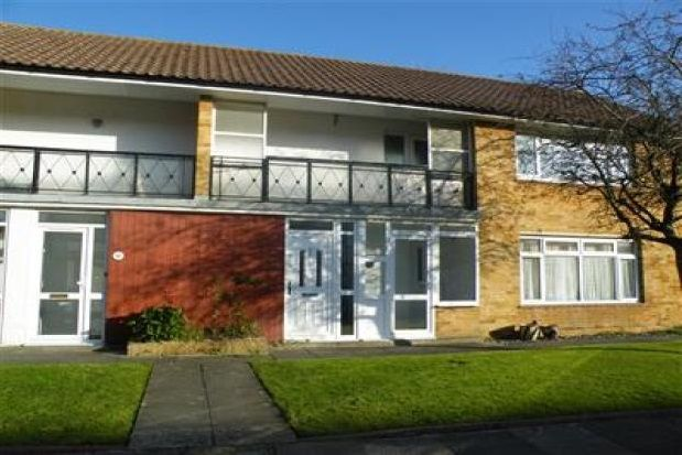 Thumbnail Flat to rent in Chatsmore Crescent, Goring-By-Sea, Worthing
