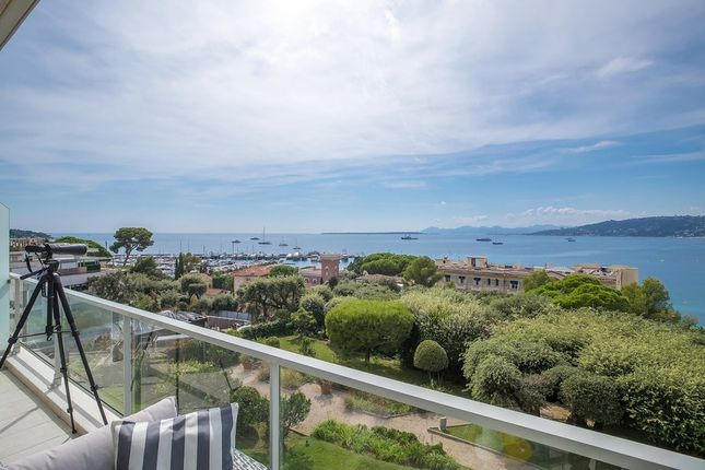 Apartment for sale in Antibes, French Riviera, France