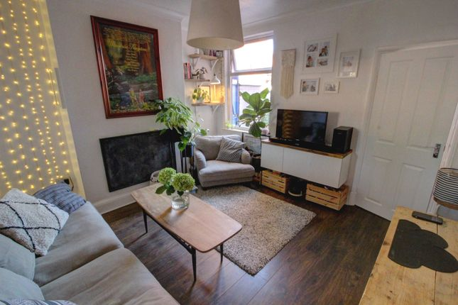 Lounge of Bonchurch Street, Leicester LE3