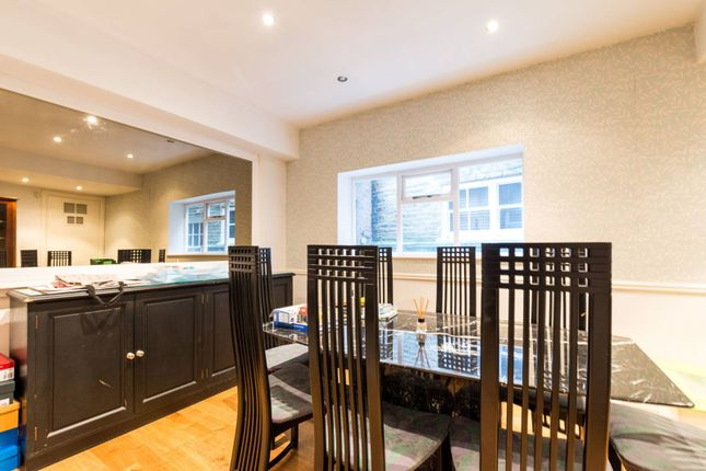 Thumbnail Property for sale in Kelso Place, High Street Kensington, London