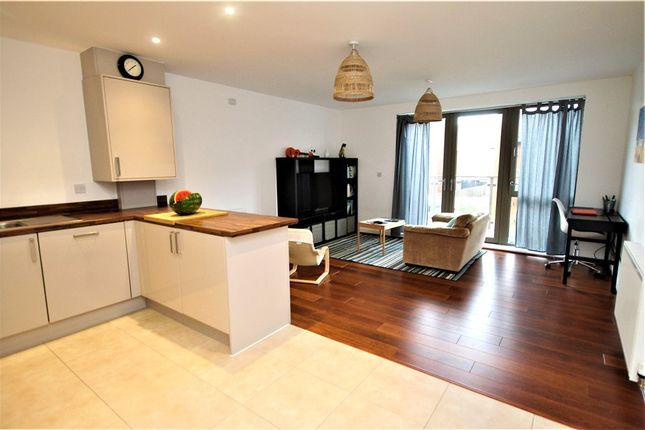 Thumbnail Flat for sale in Nihill Place, Croydon