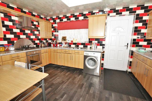 Kitchen of Boynton Terrace, Bradford BD5