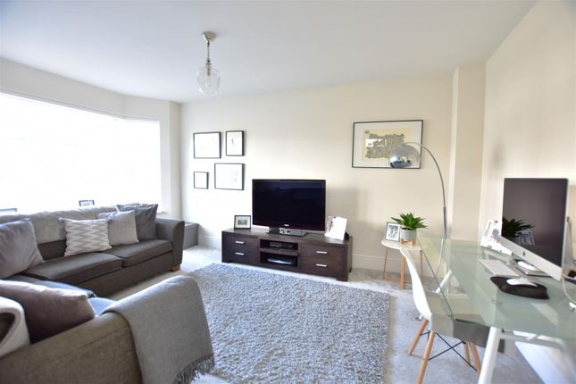 Living Room of Hildefirth Close, Ebbsfleet Valley, Swanscombe DA10