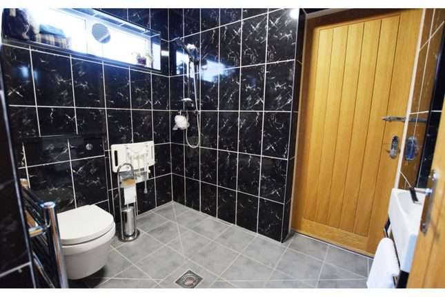 Wet Room of The Broadway, Nantwich CW5