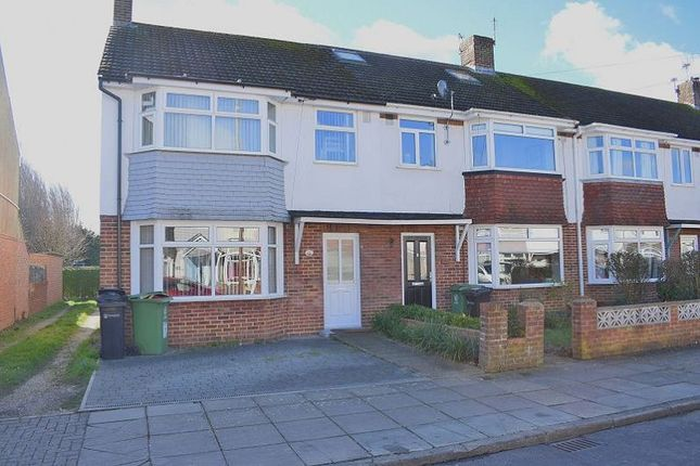 Thumbnail Property to rent in Kinross Crescent, Drayton, Portsmouth