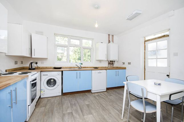 Thumbnail Bungalow for sale in The Vale, Cricklewood, London
