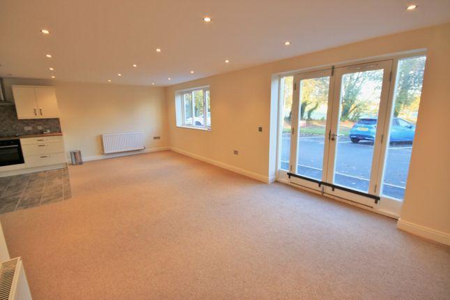 2 bed flat to rent in Lafford Lane, Upholland, Skelmersdale WN8