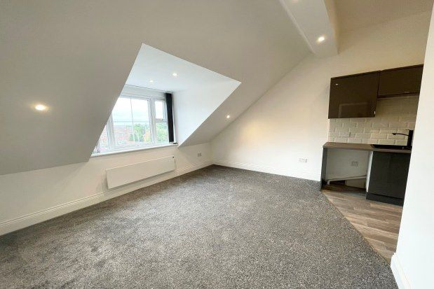 Thumbnail Flat to rent in Regent Street, Rugby