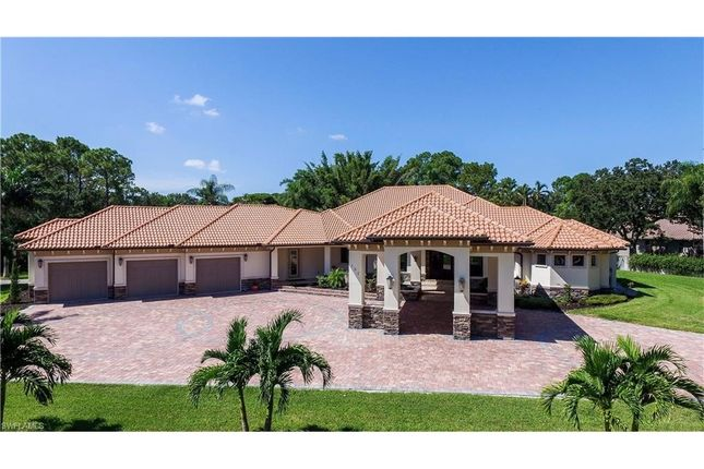 Thumbnail Property for sale in 152 Carica Rd, Naples, Fl, 34108