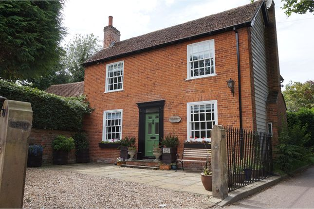 Thumbnail Detached house for sale in Lower Gustard Wood, Wheathampstead