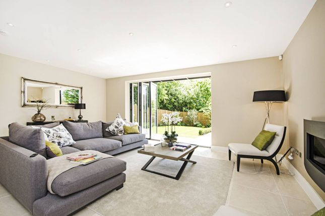 Thumbnail Property for sale in Orchard Close, Willesden