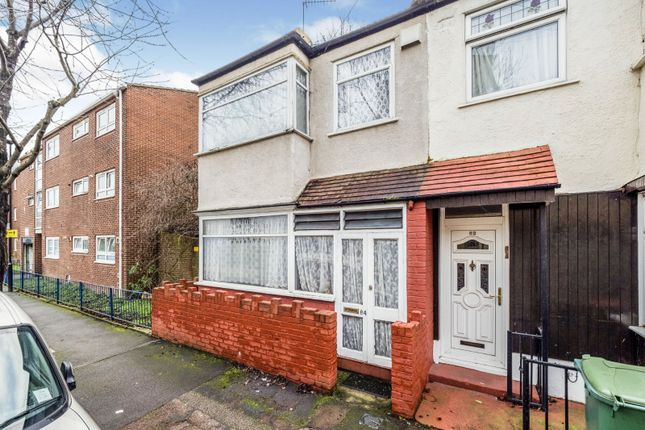 Thumbnail End terrace house to rent in Berwick Road, London