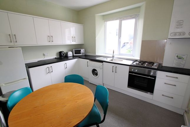 Room to rent in Moor View Terrace, Plymouth