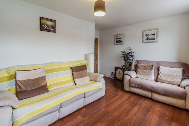 Thumbnail Flat for sale in Appleshaw Court, Reading, Reading