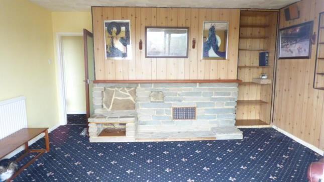Living Room of Cissbury Crescent, Saltdean, Brighton, East Sussex BN2