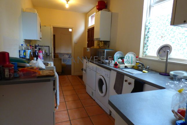 Terraced house to rent in Windermere Street, Leicester