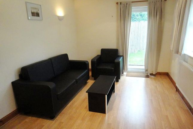 Thumbnail Bungalow to rent in New Road, Hillingdon, Uxbridge