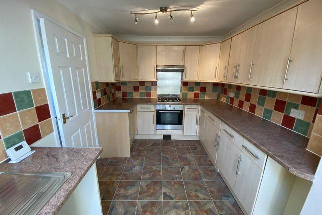 New Kitchen of West Meadow Close, Braunton EX33