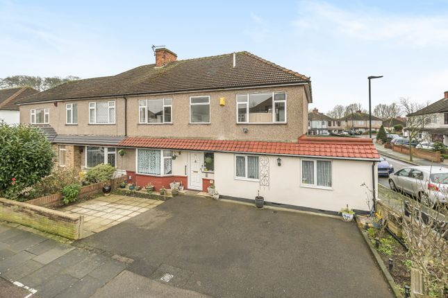 Thumbnail Semi-detached house for sale in Park Approach, Welling