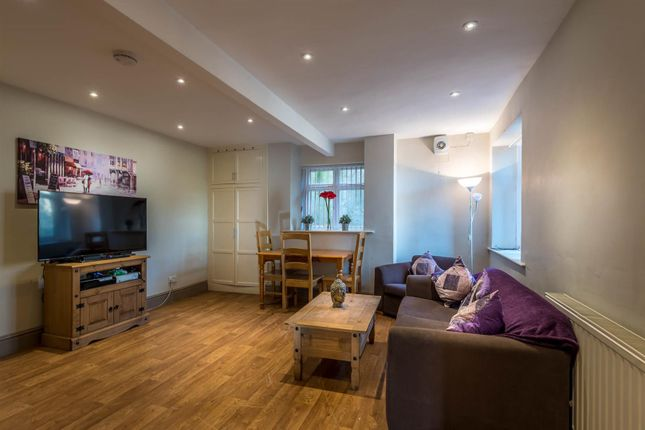 Thumbnail Flat to rent in Tapton House Road, Sheffield