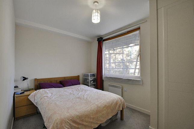 Bedroom of Paragon Site, Boston Park Road, Brentford TW8