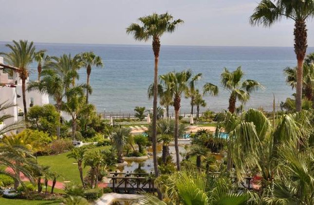 Thumbnail Apartment for sale in Ventura Del Mar, Marbella, Andalucia, Spain