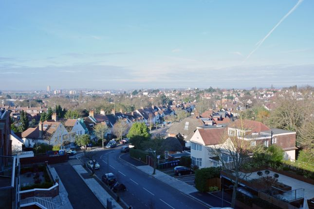 View-71 of Hodford Road, London NW11