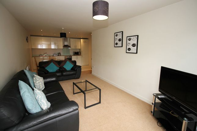 Thumbnail Flat to rent in Freedom Quay, Wellington Street West