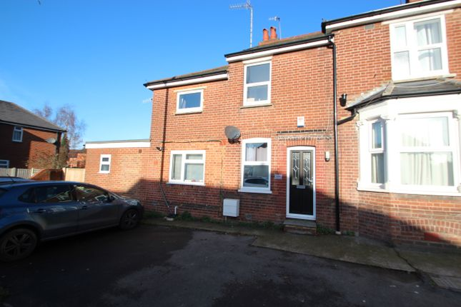 Thumbnail Flat to rent in Hughenden Road, High Wycombe