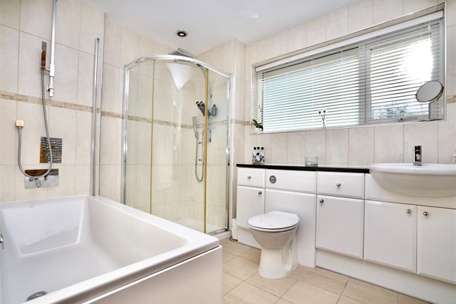 Family Bathroom of Lesser Foxholes, Shoreham-By-Sea BN43