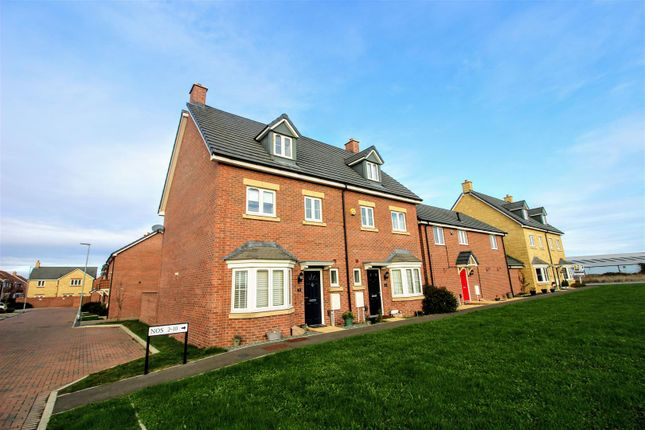 Holloway Close of Holloway Close, St Andrews Ridge, Swindon SN25