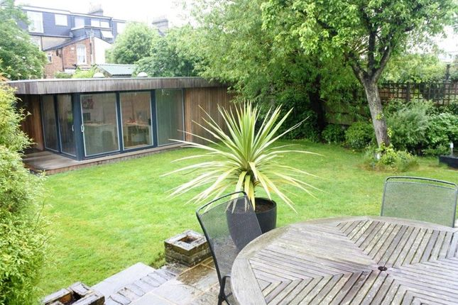Thumbnail Semi-detached house to rent in Carnarvon Road, Barnet