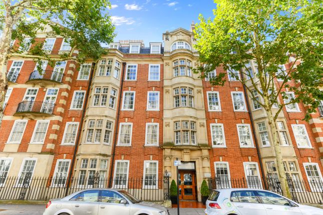 3 bed flat to rent in Old Brompton Road, Chelsea, London SW5